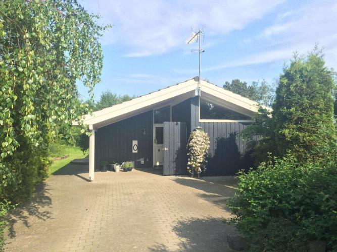 10051, Vesterlyng, Føllenslev